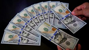 dolar terperosok ke level terendah